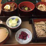 味散歩 横濱文明開館の三色丼